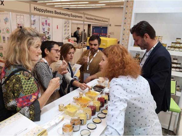 Український мед отримав срібло на виставці Apimondia 2019 у Канаді Рис.4