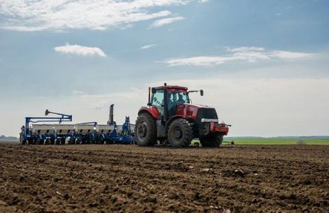 Аграрії прискорюють темпи проведення весняно-польових робіт, - В.Топчій Рис.1