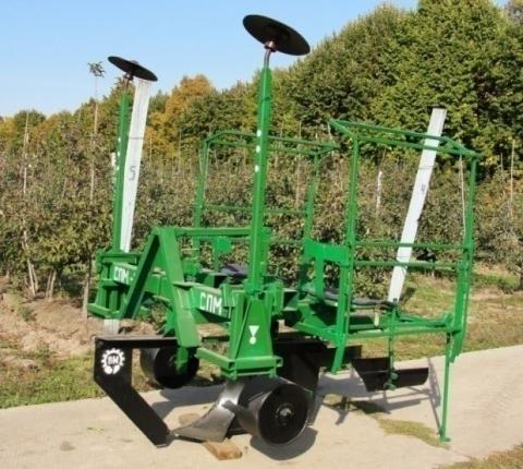 Вітчизняна садосадильна машина висаджує 750 саджанців за годину Рис.1