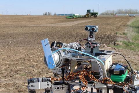 Китай замінює фермерів роботами